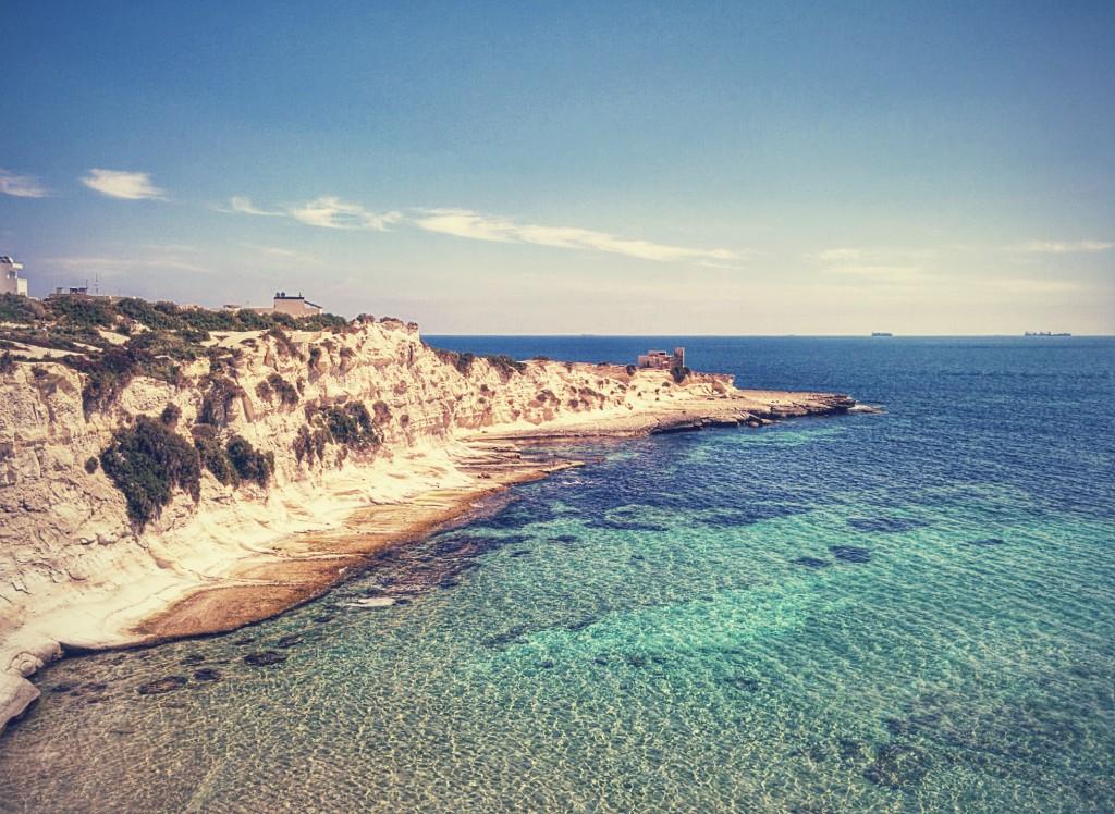 St Thomas bay, Wied il-Għajn